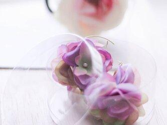 フラワーピアス ・イヤリングHydrangeaハイドランジア 紫陽花 ライラック紫の画像