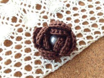 小さな巻き薔薇ブローチの画像