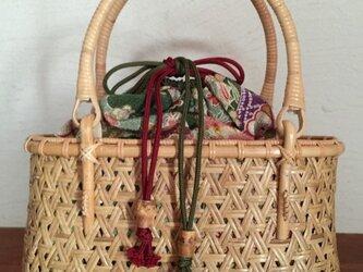 鉄線編み巾着中袋バッグの画像