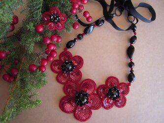 3連の花モチーフネックレス&リングセットの画像