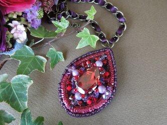 しずく型ビーズ刺繍ネックレス&ブローチ2WAYの画像