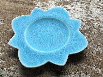ブルーのお皿の画像