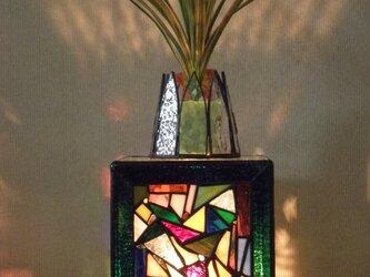 ステンドの植物養成ランプの画像