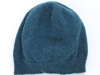 ネイビーのニット帽の画像