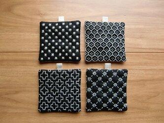 〔受注制作〕刺し子のminiコースター(黒)の画像