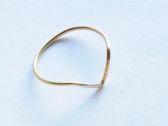 deep V shape ring k18の画像