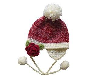 真っ赤なお花の子供用ボンボンニット帽(46cm)の画像