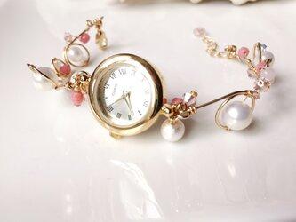ワイヤーアート 腕時計(ピンク系)の画像