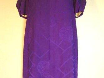 紫咲き ワンピースの画像