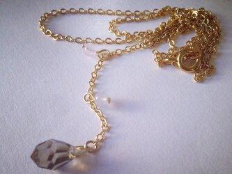 ローズクォーツとチェコビーズのネックレスの画像
