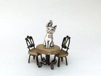 ツンデレ猫 ペンダントの画像