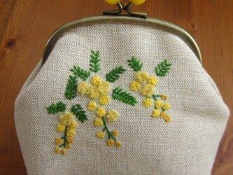 手刺繍・がまぐちポーチ(ミモザ)の画像