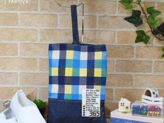カラフルチェックのシューズバッグ:BLUEの画像