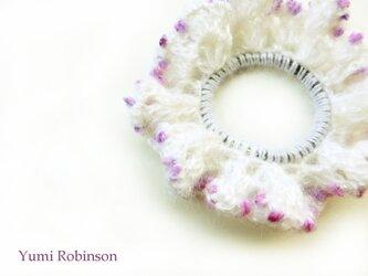 ふんわりモヘアの水玉シュシュ*ピンクパープルの画像