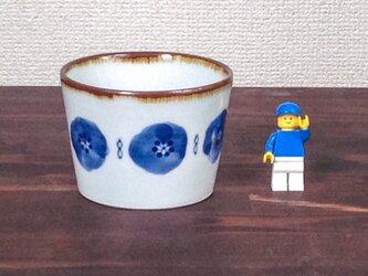 ユキワリソウ柄のそばちょこ(青)の画像