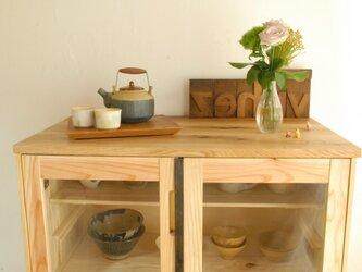 ほどよい食器棚 の画像