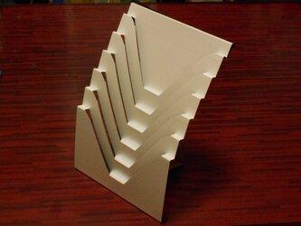 ポストカードにジャストサイズの6段ポケットラック。壁面/卓上で利用可能。の画像
