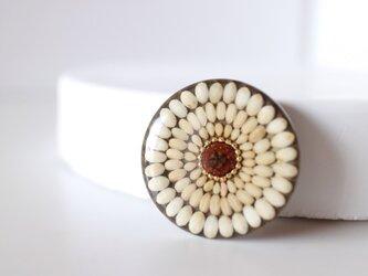 お米のブローチ 丸麦の画像