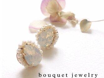再販【White opal】ピアス&イヤリングの画像