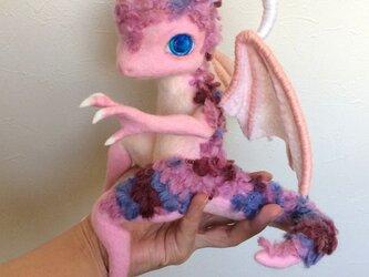 羊毛フェルト「ピンクのドラゴン」[送料無料]の画像