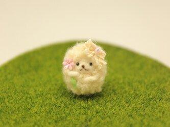 羊毛フェルト 小さなヒツジのストラップの画像