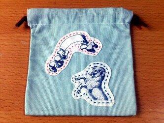 クラシックプリント巾着(リボン×ひつじ)の画像