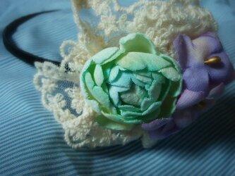 バラとアジサイのカチューシャの画像