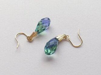K14gf. スワロフスキーのティアドロップピアス/lavender&emeraldの画像