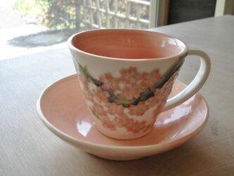 花の器 桜 パステルレッドのカップの画像