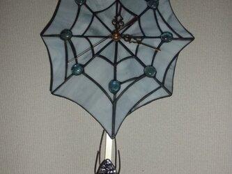 ステンドグラス時計(蜘蛛の巣)の画像