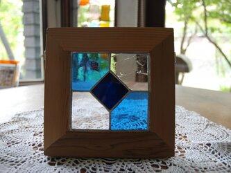 ステンドグラスのパネルの画像