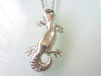 ヒョウモントカゲのネックレス シルバー製の画像