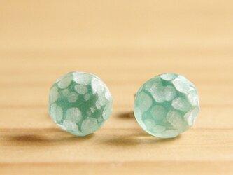 凸凹 : ピアス ( Emerald green 丸 )の画像