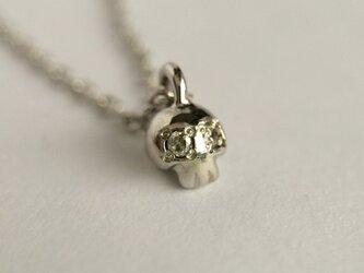 ダイヤモンドクロ ネックレス silver colorの画像