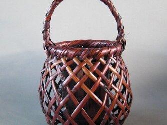 根曲り竹籠の画像