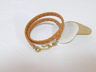 革の手縫いブレスレット ダブル  キャメルの画像