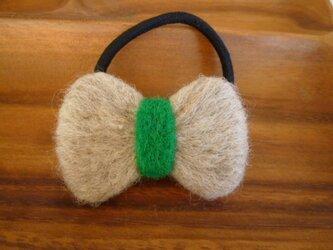 羊毛フェルトのリボンゴムの画像