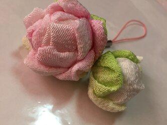 コロ薔薇のストラップ 薄ピンクの画像