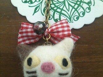 まんまるネコのキーリング(白)(スマホピアスに変更可)の画像