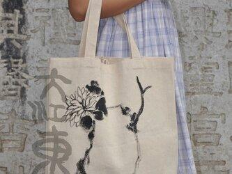 水墨画石、菊のエコバッグの画像