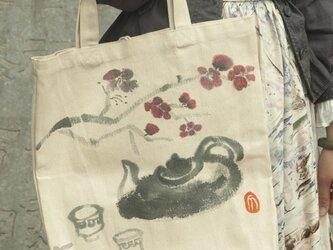 水墨画梅、酒のエコバッグの画像