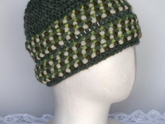 ちょっとフォークロア調のニット帽子(モスグリーン/ホワイトライム)の画像