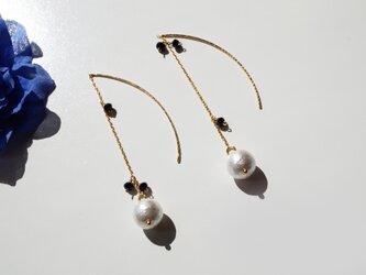 コットンパール&ブラックスピネル Noir et blanc Elégant earrings P0037の画像