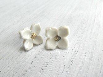 小さい花のpieace (白)の画像