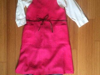 レディース リネン×レザーひもエプロン ピンクの画像