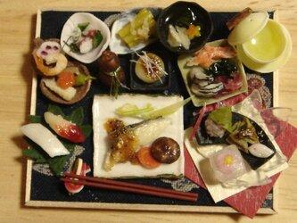 ★和の御膳・サワラのゴマだれ&春の和菓子(ふくろう柄・紺)の画像