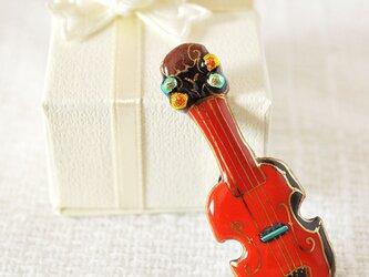 七宝焼ピンブローチ(ピンバッジ,ピンズ) バイオリン(赤)の画像