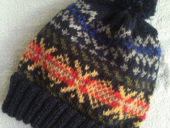 フェアアイル(紺総柄) ぽんぽん帽子の画像