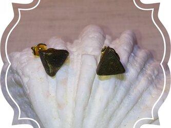 三角なピアス(小)の画像