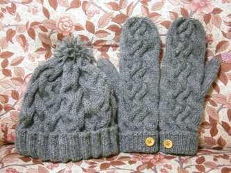 ニット帽子&ミトンの画像